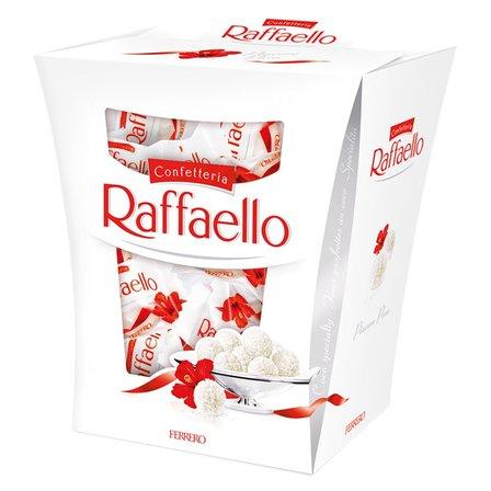 Raffaello Chrupiący wafelek z kokosem i całym migdałem w środku 230g (1)